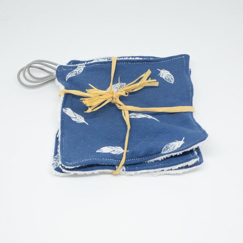 Lingettes lavables Tissu BIO et eponge bambou+ lien, lot de 3 motif plumes fond bleu--9995878942297