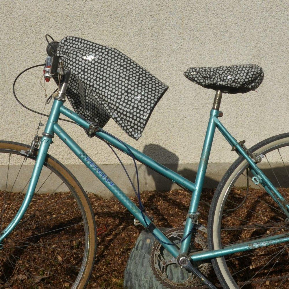 Protege mains guidon vélo impermeable et doublé polaire grise et enduit noir pois blanc--9995486845225
