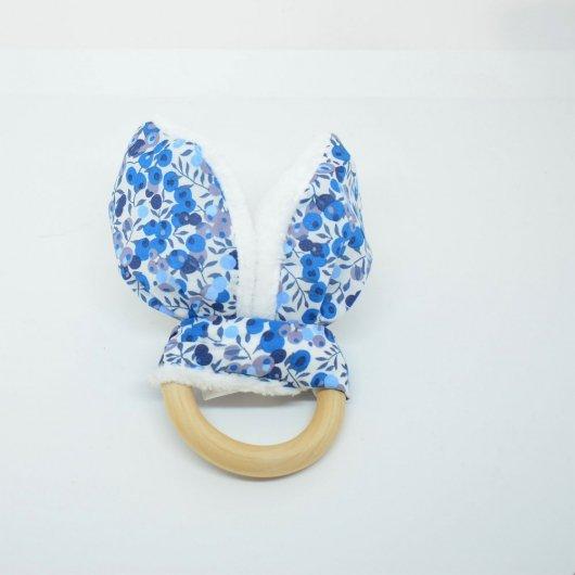 Anneau de dentition Liberty Wiltshire bleu et doudou blanc tout doux