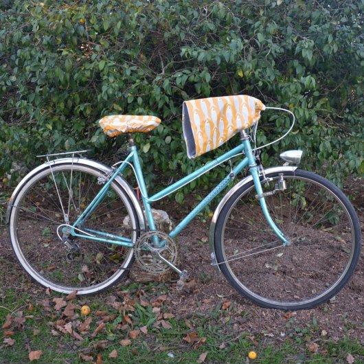 Housse pour selle de vélo, imperméable en tissu enduit moutarde poissons