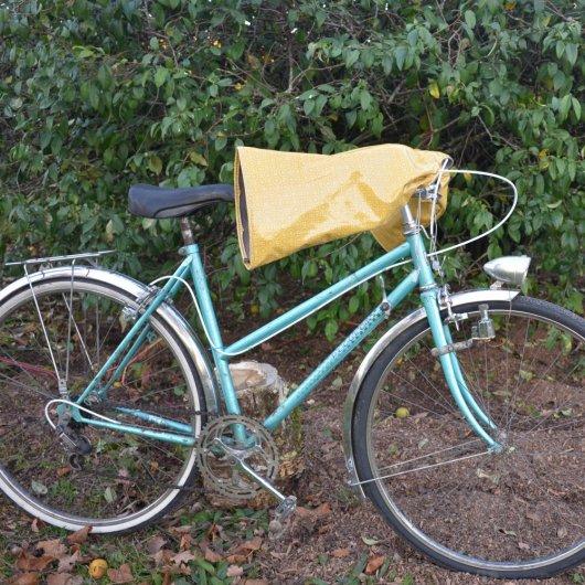 Protege mains guidon vélo impermeable enduit moutarde et doublé polaire grise