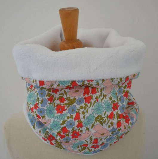 Snood tour de cou Liberty of London Poppy and daisy rose poudre et doudou blanc