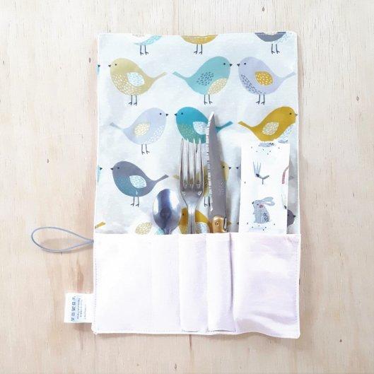 Trousse imperméable pour transporter les couverts motif Oiseaux