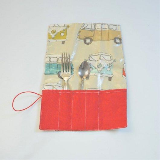 Trousse imperméable pour transporter les couverts motif combi