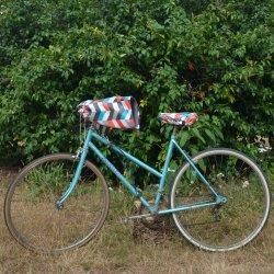 Protege mains guidon vélo impermeable enduit chevron et doublé polaire grise